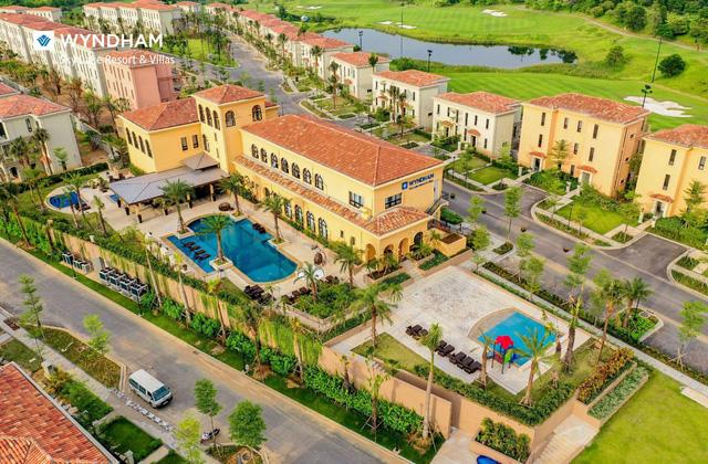 Wyndham Sky Lake Resort & Villas - Nơi hội tụ các Thương hiệu Nổi tiếng - Ảnh 1.