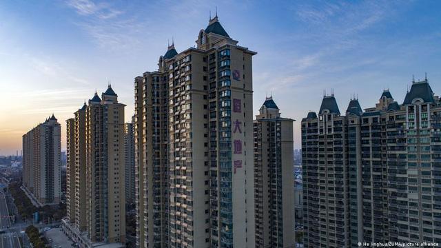 Hứa Gia Ấn - Từ mồ côi đến xây dựng đế chế bất động sản Evergrande lớn nhất Trung Quốc, tham vọng xe điện và nguy cơ đứng trước bờ vực phá sản - 3