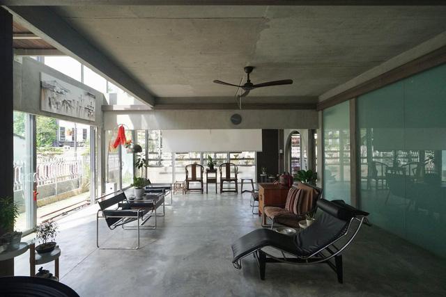 Ngôi nhà được biến tấu bằng vườn treo thay vì mặt tiền - Ảnh 7.