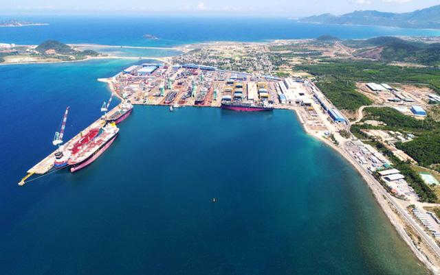 Khánh Hòa dự báo Vân Phong sẽ trở thành cảng trung chuyển quốc tế lớn trong khu vực - Ảnh 1.