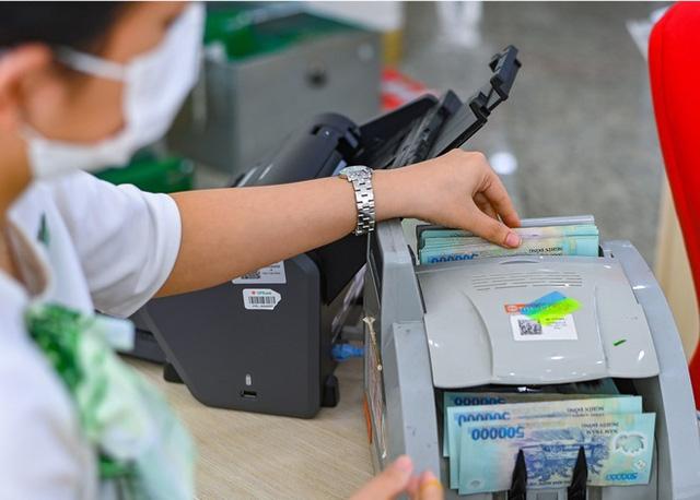 Nhóm ngân hàng big4 VietinBank, BIDV, Vietcombank, Agribank, ngân hàng nào có lãi suất cao nhất hiện nay?  -Ảnh 1.