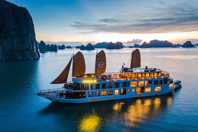 Quảng Ninh có nhiều yếu tố thuận lợi để mở cửa du lịch đầu tiên của cả nước