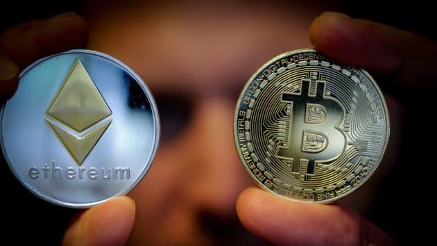 Đồng Ethereum được dự báo sắp soán ngôi Bitcoin trên sàn điện tử.
