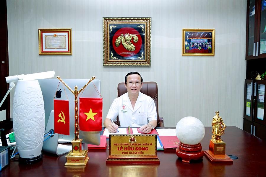 MB trao tặng 5 tỷ đồng cho Bệnh viện Trung ương Quân đội 108