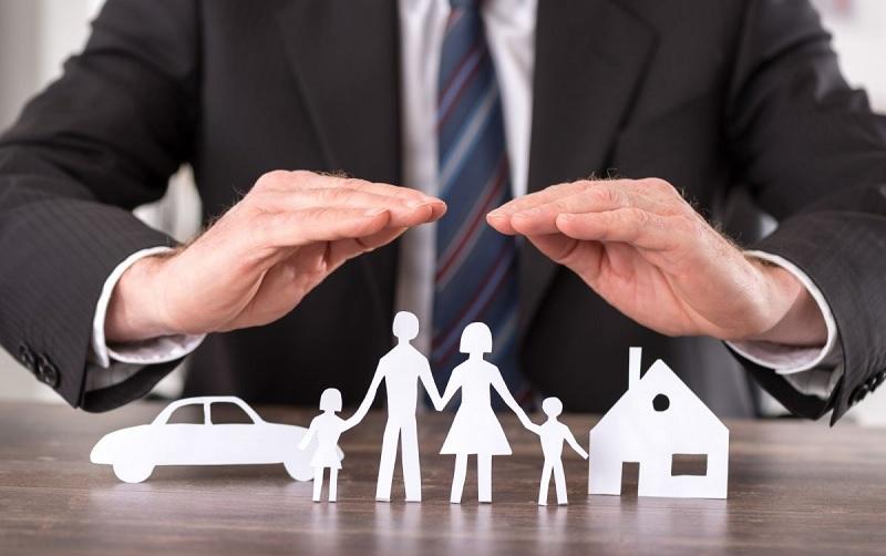 Hầu hết nhân viên ngân hàng và bảo hiểm không bị giảm lương vì Covid-19