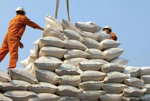 Giá gạo Việt Nam xuất khẩu tăng mạnh